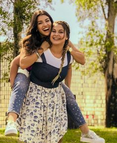 Dramione, Best Friends Forever, Disney Channel, Cute Pictures, Skater Skirt, Two Piece Skirt Set, Celebrities, Beautiful, Dresses