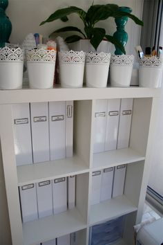 Image from http://bodyklense.net/wp-content/uploads/2014/09/home_office_image__home_office_organization_ideas_laurieflower_home_office_organization_ideas.jpg.
