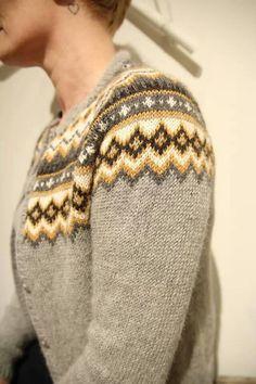 Nordkappkofta {love these tones} Knitting Projects, Knitting Patterns, Crochet Patterns, Norwegian Knitting, Nordic Sweater, Icelandic Sweaters, Knit Basket, Yarn Thread, Fair Isle Knitting
