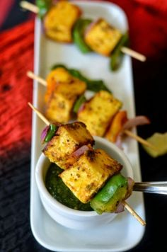 Paneer tikka - made in pan. No oven no grill recipe : with a secret ingredient. Succulent Paneer cubes with crispy bell peppers. Paneer Recipes, Veg Recipes, Indian Food Recipes, Vegetarian Recipes, Cooking Recipes, Recipies, Cooking Tips, Starter Recipes, Indian Appetizers