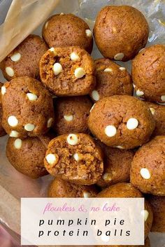 These pumpkin pie protein balls are the best bite sized pumpkin snack/treat the whole family will love. Flourless, no bake, can be vegan/paleo. Perfect for meal prep, and a healthy snack idea! #nobake #pumpkin #pumpkinspice #proteinballs #mealprepideas #healthysnack #flourless Quick Snacks, Yummy Snacks, Healthy Snacks, Snack Recipes, Healthy Eating, No Bake Pumpkin Pie, Baked Pumpkin, Pumpkin Spice, Protein Donuts