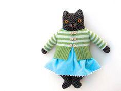 spring kitty by Mimi K, via Flickr