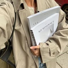 Fashion Gone rouge Book Aesthetic, Aesthetic Pictures, Dream Job, Dream Life, Fashion Journalism, Student Fashion, School Fashion, Fashion Fashion, Fashion Ideas