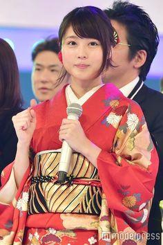 """(画像14/14)有村架純、SEXY美背中&艶やか着物…紅白""""4変化""""で魅了"""