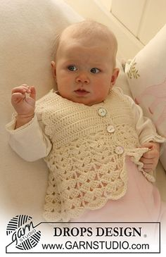 """b19-7 Waistcoat with fan pattern in """"Baby Merino"""" by DROPS design"""