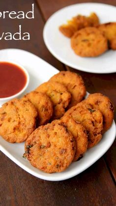 bread vada recipe, instant bread carrot vada, crispy instant vada with step by step photo/video. easy and crispy snack recipe made from left over bread slices can be life saver with your surprise…More Pakora Recipes, Cutlets Recipes, Chaat Recipe, Veg Recipes, Spicy Recipes, Kitchen Recipes, Cooking Recipes, Paneer Recipes, Indian Dessert Recipes