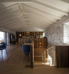 Vista interior. Cella Bar por FCC Arquitectura y Paulo Lobo. Fotografía © FG+SG. Señala la imagen para verla más grande.