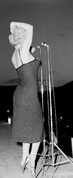 Marilyn in Korea, 1954