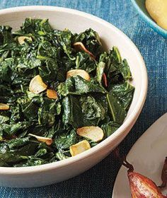 Sautéed Collard Greens Ingredients: kosher salt and black pepper 3 bunches collard greens, stems discarded and leaves cut into 1-inch  strips 1/2 cup olive oil 3 cloves garlic, thinly sliced  (Add red pepper flakes for a bite!)