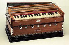 Harmonium in dark wood old look