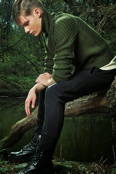 Ideas for fashion editorial mens trends Best Mens Fashion, Mens Fashion Shoes, Male Fashion, Fashion Boots, Trendy Fashion, Winter Fashion, Mode Masculine, Style Costume Homme, Green Beret