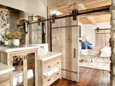 Installing a sliding barn door hardware system in the room for more spacious room! Instead, you can enjoy DIY sliding system for saving space and room decor. Adopting top-grade materials, this sliding barn door hardware kit is really. Quinta Interior, Barn Bathroom, Master Bathroom, Small Bathroom, Bathroom Interior, Bathroom Storage, Bathroom Doors, Bathroom Cabinets, Bathroom Vanities