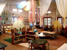 nice looking classroom.