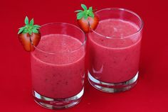 Red Smoothie Recipe    Ingredients:        2 cups frozen strawberries      1 mango, peeled and cored      1/2 cup cranberry juice (or other juice)      1/2 cup ice (if needed)