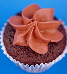 Chocolate Banana Mini Cupcakes with Fudgy Salted Caramel Frosting