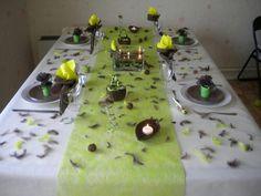 Jolie table pour un bapteme Table Settings, Recherche Google, Salons, Tables, Living Room Images, Bamboo, Mesas, Lounges, Place Settings