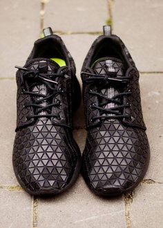 ►Nike Roshe Run Black Metric.