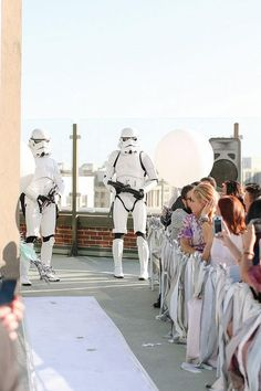 Have a groom that's obsessed with Star Wars? You've got to see this wedding.