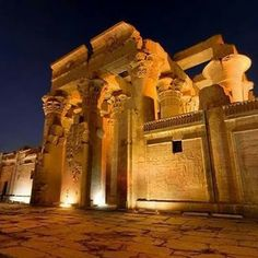 Temple of Kom Ombo Ancient Egypt Civilization, Ancient Egypt History, Luxor, Temple, Places To Visit, Temples