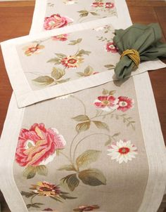 Table Runner And Placemats, Burlap Table Runners, Table Runner Pattern, Sewing Crafts, Sewing Projects, Sewing To Sell, Burlap Crafts, Tablerunners, Deco Table
