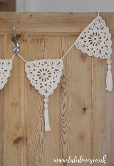 Projects Boho Ravelry: Boho Bunting pattern by Emma Escott Chat Crochet, Mode Crochet, Crochet Motifs, Crochet Home, Crochet Granny, Crochet Crafts, Crochet Doilies, Yarn Crafts, Crochet Flowers