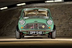 Mini Cooper Classic, Mini Cooper S, Classic Mini, Classic Cars, Mini Countryman, Car Colors, Cars And Motorcycles, Cool Cars, Minis