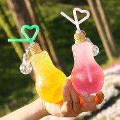 いま電球ソーダっていう韓国発の超カワイイ飲み物が話題になってるらしいよ 電球をボトルにして中にカラフルなドリンクを入れてあるんですって ストローもハート型になってたりしてインスタにあげたらウケがよさそう() 大阪のぐでたまカフェでぐでたまとコラボした電球ソーダが飲めるらしい 早速行ってみなきゃ( ω )و tags[海外]