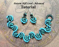 BLUE WAVES Cellini Spiral bracelet and earrings por PeyoteBeadArt