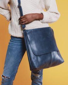 85af039ef As 417 melhores imagens em carteiras de 2019   Wallets, Bags e Bags ...