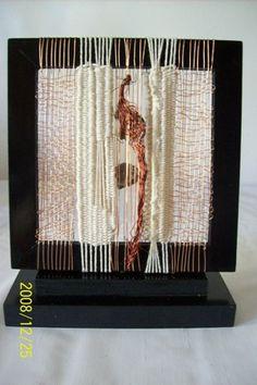 realizado con hilos de cobre y algodon