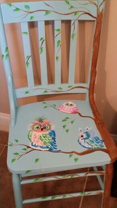 Best Diy Painted Chair Designs Ideas (For Your Inspiration) - Diyandart Hand Painted Chairs, Funky Painted Furniture, Paint Furniture, Repurposed Furniture, Furniture Projects, Furniture Makeover, Cool Furniture, Shabby Chic Furniture, Chair Makeover