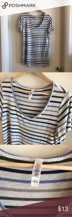 Lularoe Perfect Tee Large Cute Lularoe perfect tee in a great neutral stripe color scheme. Long tunic length, size large. Cute shirt but I've been going for cropped lengths lately. Only worn a few times! LuLaRoe Tops Tees - Short Sleeve