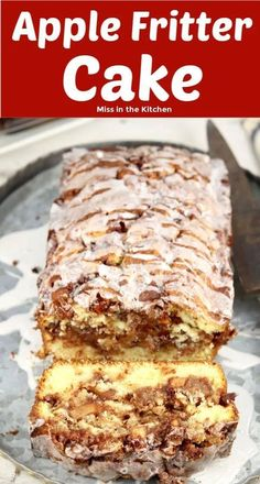 Apple Fritter Cake with a sweet powdered sugar glaze is a simple loaf cake that will remind you of your favorite apple fritter. This easy cake has layers of moist vanilla cake, tart apples with lots of cinnamon and sugar. Apple Cake Recipes, Loaf Recipes, Apple Desserts, Köstliche Desserts, Easy Cake Recipes, Baking Recipes, Delicious Desserts, Yummy Food, Apple Cakes