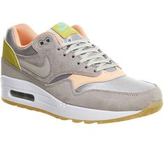 Nike Air Max 1 (l) ($150) ❤ liked on Polyvore featuring shoes, hers trainers, metallic silver glow la, trainers, patterned shoes, waffle shoes, nike shoes, nike and print shoes