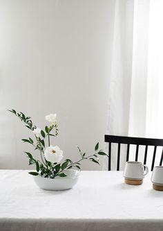 How to Make a Basic Ikebana Floral Arrangement