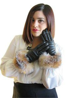 CRYSTALキツネの毛皮とFursNewYorkカシミヤ並ぶラムスキンの革黒手袋は9トリム