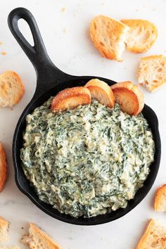 Veganes Spinat-Dip-Rezept Vegan spinach dip, a plant-based version of a classic dip. It's made with just 9 ingredients, so delicious, creamy, cheesy and really easy to make. Vegan Party Food, Healthy Vegan Snacks, Vegan Appetizers, Healthy Recipes, Dairy Free Dip Recipes, Vegan Finger Foods, Dairy Free Dips, Vegan Potluck, Vegetarian Meals