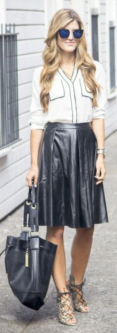Black And White Fall Transition Outfit Idea by Chic Street Style