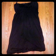 Beautiful Black Silk Strapless Bubble Dress Beautiful Strapless Bubble dress by Banana Republic. Perfect for a dance or night out! Black. Zipper at side.  100% silk.  Lined 92% polyester & 8% spandex. About 32 inches long.  4.25 inches long at bust. Band is about 1.75 inches wide.  About 17 inches across.  Please let me know any questions! Reasonable offers welcome! Banana Republic Dresses Strapless