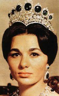 Empress Farah of Iran wearing the Seven Emeralds Tiara