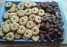 Kinyomós keksz | Mária Bársonyné Dankovics receptje - Cookpad receptek Bakery Recipes, Fudge, Biscuits, Almond, Cereal, Bacon, Clean Eating, Food And Drink, Sweets