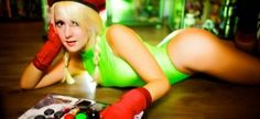 Wouldn't you want to play Street Fighter with this sexy cosplayer?