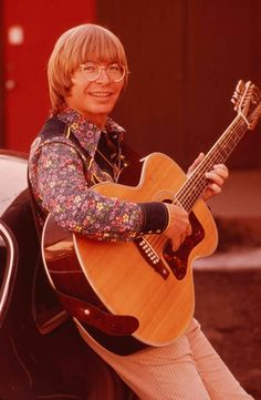 John Denver was one of the most popular acoustic artists of the 1970s.
