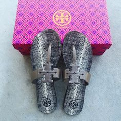 ✨✨{Tory Burch} Moore Flat Thong Sandals Super cute and sold out. Brand new in box, never been worn. Please familiar/know your own Tory Burch sizing. ❗️Price is firm, even when bundled ❗️   ❌ No Trades/ No PayPal  ❌ No Lowballing  ✅ Bundle Discounts ✅ Ship Same or Next Day  % Authentic Tory Burch Shoes Sandals