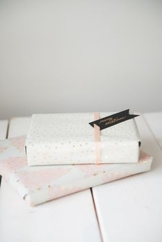 Christmas wrapping for the women in your life. Pink, cream and gold prettyness!