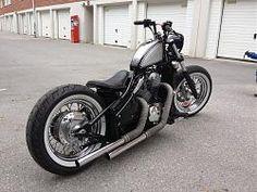 1351 x 1014 ( Honda Bobber, Softail Bobber, Bobber Bikes, Old School Motorcycles, Cool Motorcycles, Vintage Motorcycles, Kawasaki Vn 800, Kawasaki Vulcan, Retro Motorcycle