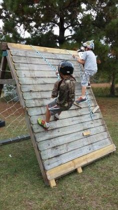 "Backyard ""scaling wall"" army style for the kids! Simple diy"
