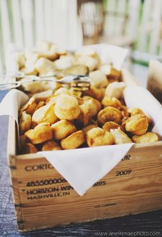 set up a biscuit bar for dinner: bake refrigerated biscuits; serve with fillings like scrambled eggs, chicken tenders, ham and cheese. Brunch Wedding, Farm Wedding, Wedding Sweets, Wedding Ideas, Fancy Food Presentation, Rustic Food Photography, Deco Buffet, Biscuit Bar, Catering Display