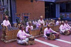 30060539 | Indonesia, bali, gamelan orchestra | Wolfgang Kaehler | Flickr