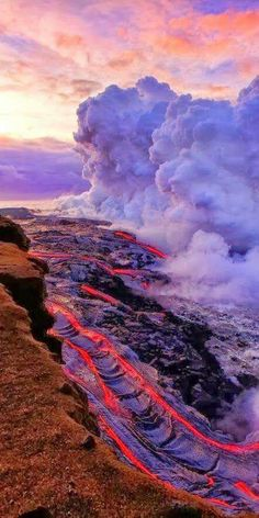 Was just on the Big Island and went to see the Kilauea Volcano. We could not get close this time because it was flowing inland. This is an older photo of Kilauea, Hawaii. Mahalo Hawaii, Hawaii Usa, Hawaii Travel, Honolulu Hawaii, Beautiful World, Beautiful Places, Fuerza Natural, Dame Nature, Natural Phenomena